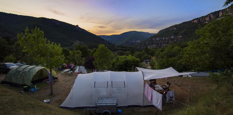 RCN-Val de Cantobre-kampeerplaatsen-in-het-donker (3)