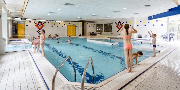 Binnenzwembad; nu geopend: